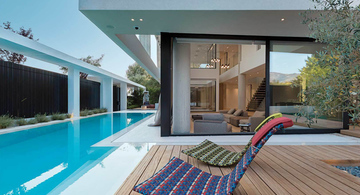 Private residence in the north suburbs of Athens